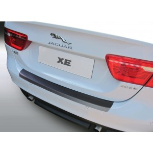 La protección del parachoques Jaguar XE